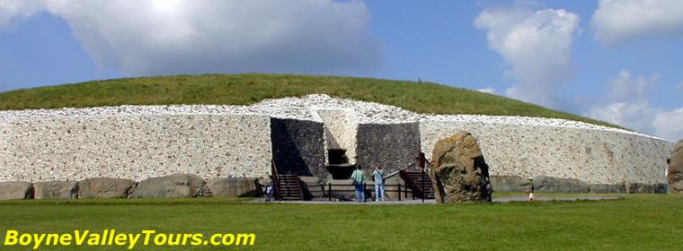 Newgrange Passage Tomb ~ mega-what.com Ancient Sacred Places