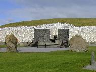 Newgrange entrance and standing stones - Background Wallpaper