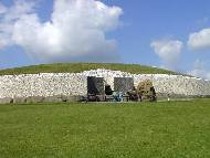 Newgrange - Background Wallpaper